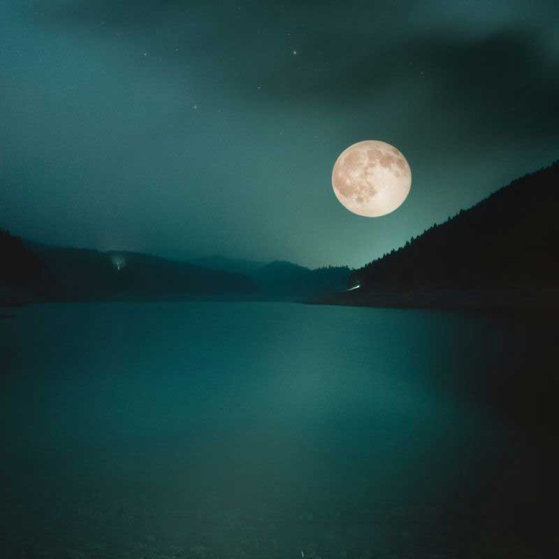 luna-resoubo-1x1